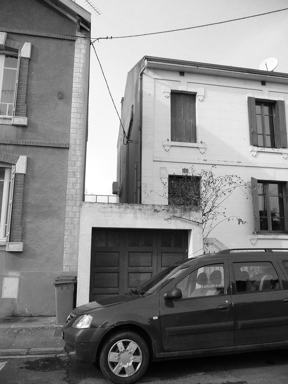 Maison et garage avant surélévation