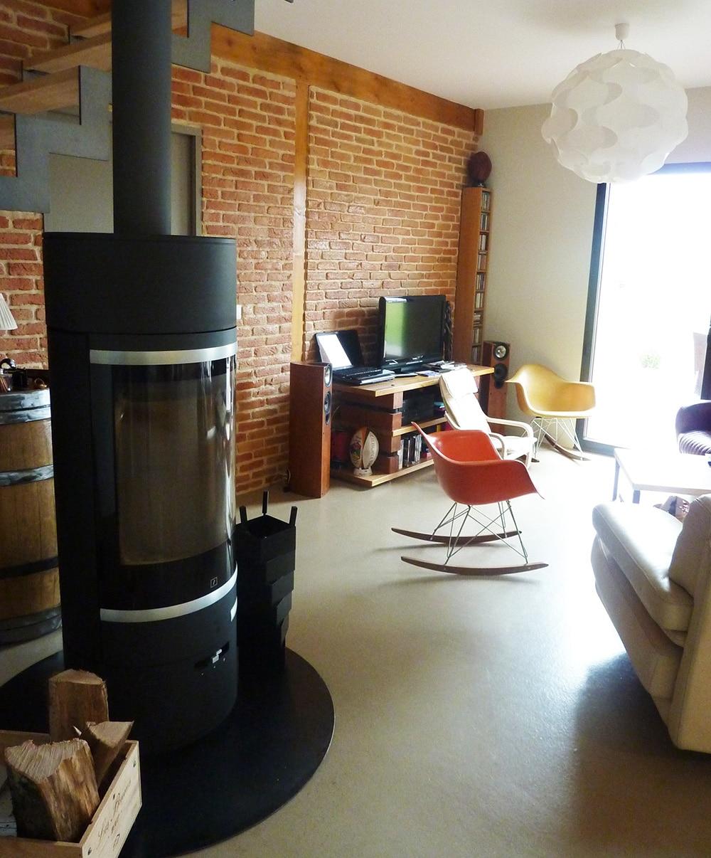 maison-ambiance-brique-salon
